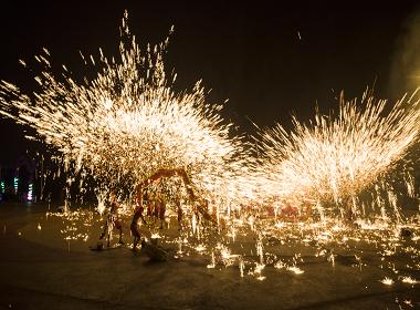铜梁龙舞参加国庆50周年庆典